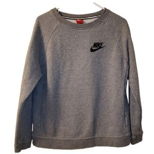 Nike Rally Crewneck Sweatshirt